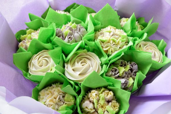 Cupcake bouquet in a gorgeous lilac shade