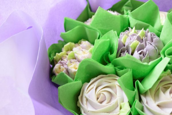 Lilac and green detail cupcake bouquet